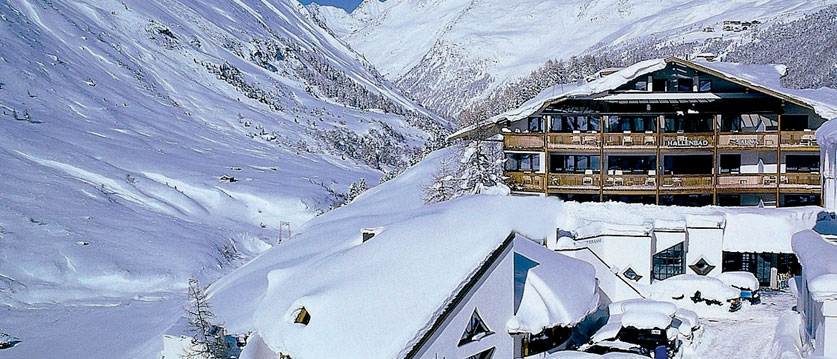 Austria_Obergurgl_Hotel-Bergwelt_Exterior-winter2.jpg